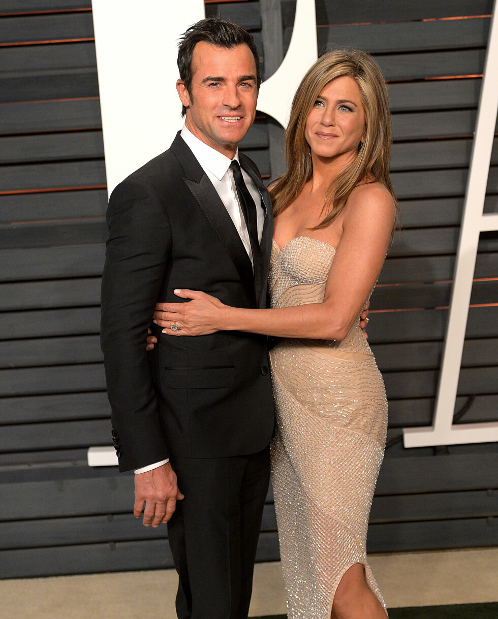 Jennifer sammen med sin eksmann Justin Paul Theroux på Vanity Fair Oscar party i 2015. Foto: NTB Scanpix
