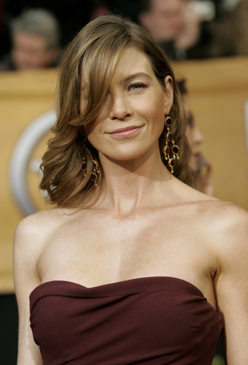 "Ellen Pompeo på 12th annual Screen Actors Guild Awards i 2006, her var ""Grey's Anatomy"" nominert til beste dramaensemble. Foto: NTB Scanpix"