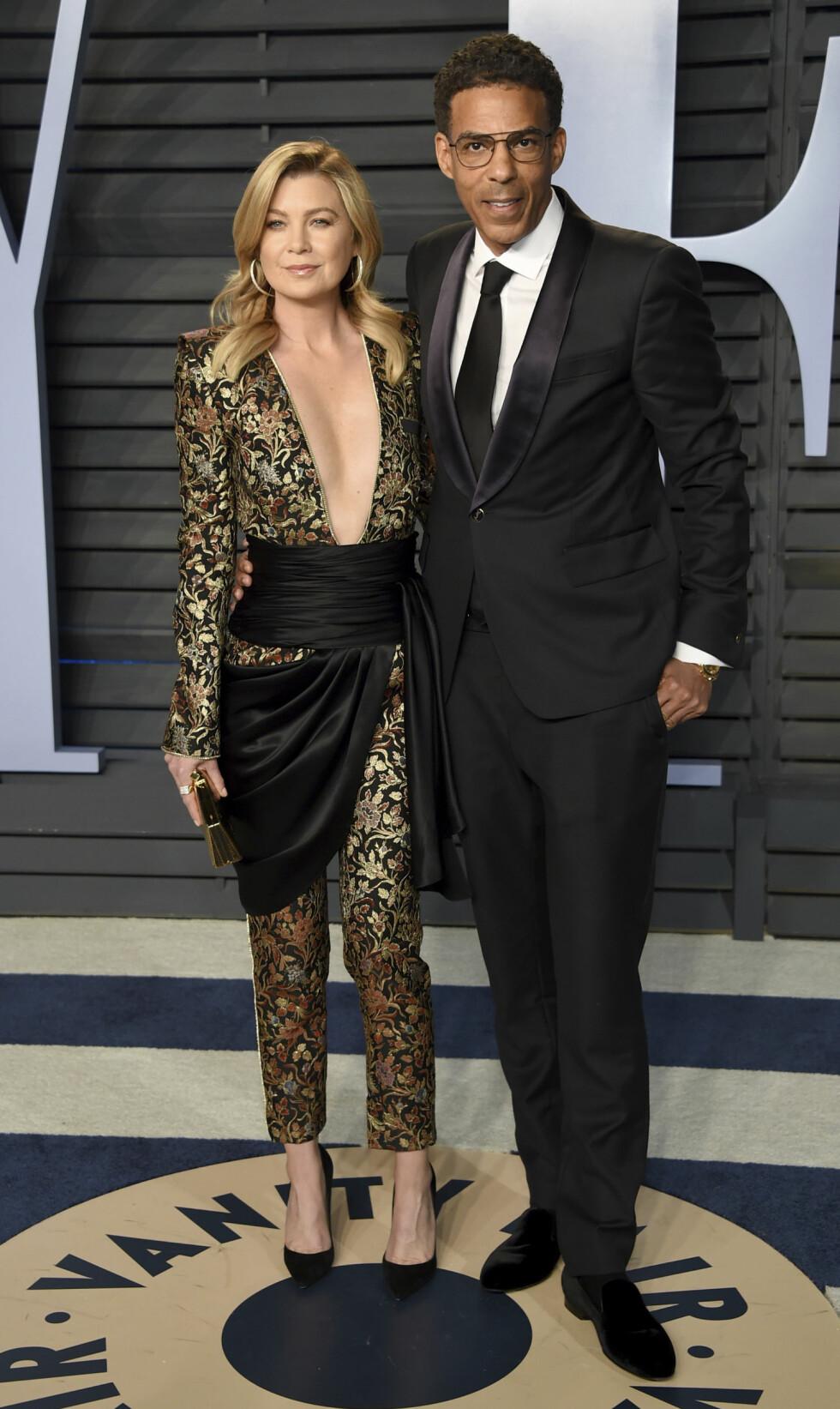 Ellen Pompeo sammen med sin ektemann Chris Ivery på Vanity Fair Oscar Party i 2018. Foto: NTB Scanpix