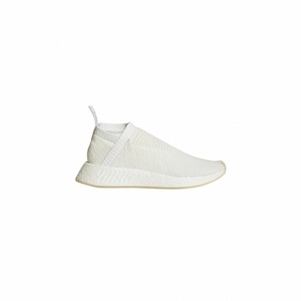 Adidas |900,-| https://www.miinto.no/p-978353-nmdcs2-white