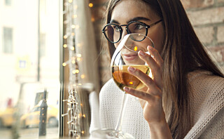 Kan man få kviser av for mye alkohol?