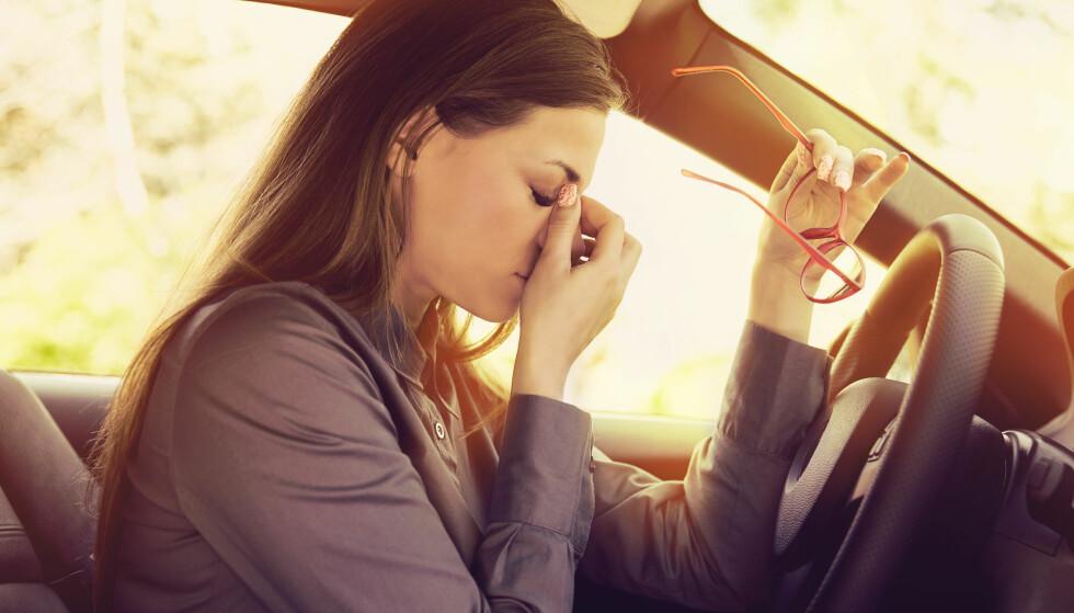 VIKTIG Å STOPPE: - Et varseltegn er at øyelokkene blir tunge, man gjesper og rett og slett føler seg veldig søvnig. Da er mikrosøvnen rett rundt hjørnet, sier søvnekspert Bjørn Bjorvatn. FOTO: NTB Scanpix