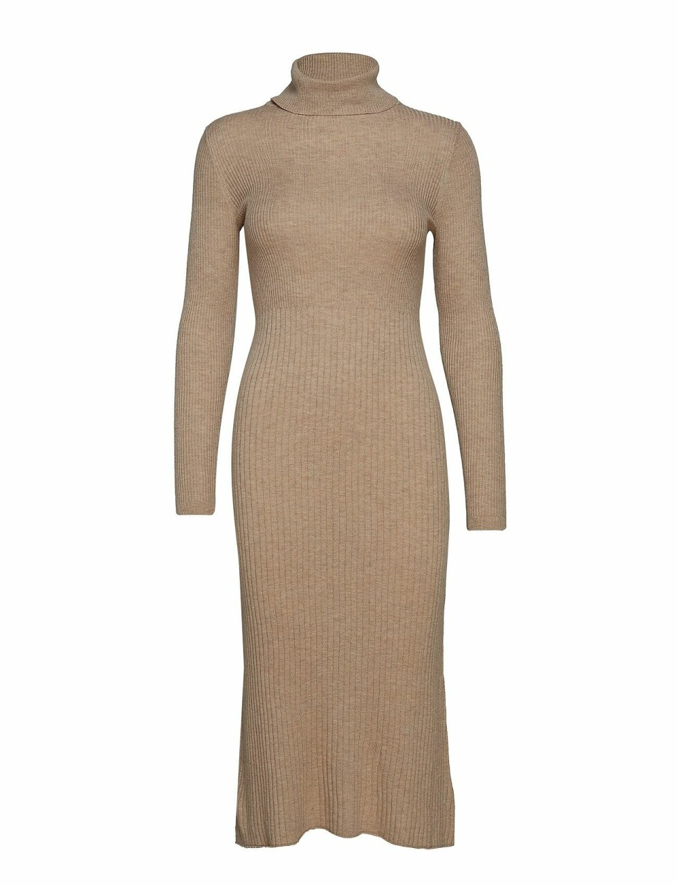 Kjole fra Mango |350,-| https://www.boozt.com/no/no/mango/ribbed-long-dress_19761844/19761854?path=67362&navId=67362&sNavId=67378&group=listing&position=1000000