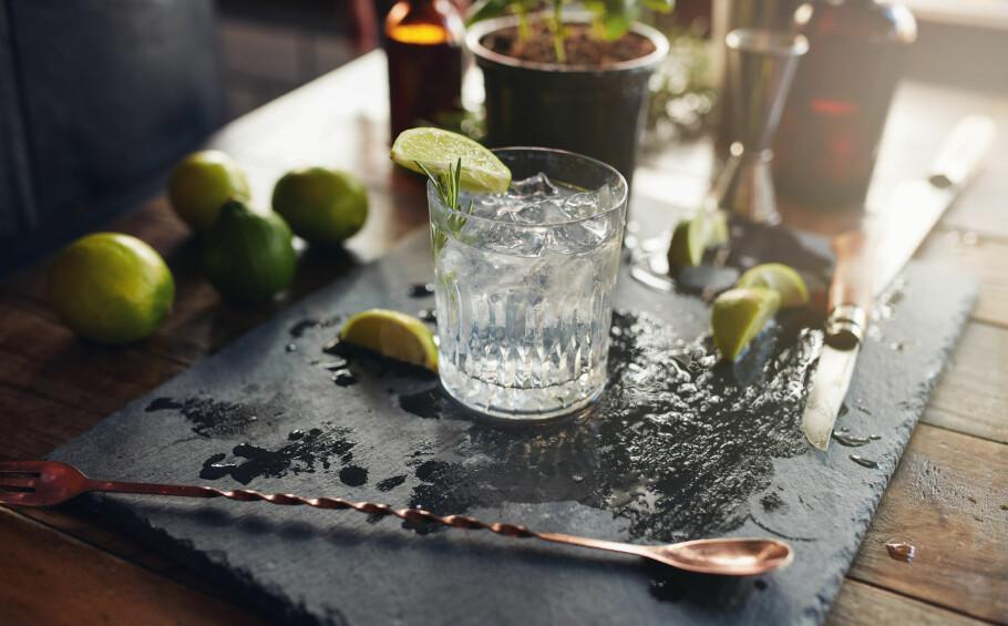 ALKOHOLFRIE DRINKER: Ifølge ekspertene er det nå trendy å velge alkoholfrie alternativer. FOTO: NTB Scanpix