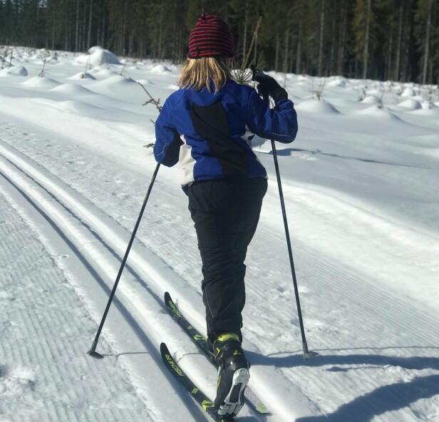 GÅ PÅ SKI: Skitur på Brøttum er blant februars mange gleder- FOTO: Privat
