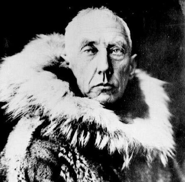 EVENTYREREN: Roald Amundsen ble født 16. juli 1872 på Borge i Østfold. Den eventyrlystne mannen skulle bli en av Norges store helter - blant annet fordi han ledet første ekspedisjonen som nådde frem til Sydpolen i desember 1911, og for å ha seilt Nordvestpassasjen for første gang i 1903. FOTO: NTB Scanpix