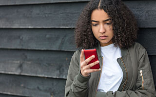 Ny undersøkelse: Hver tredje norske tenåring sender nakenbilder til kjæresten