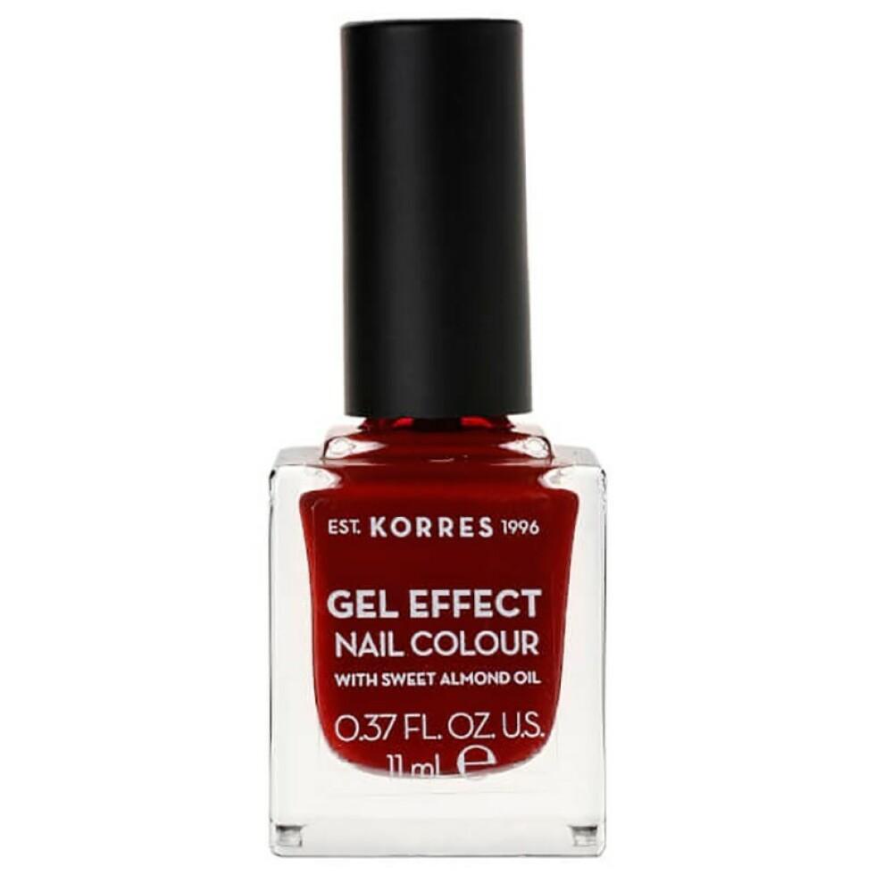 Neglelakk fra Korres |149,-| https://www.vita.no/fri-for/korres-sweet-alm-nail-colour-59-wine-red