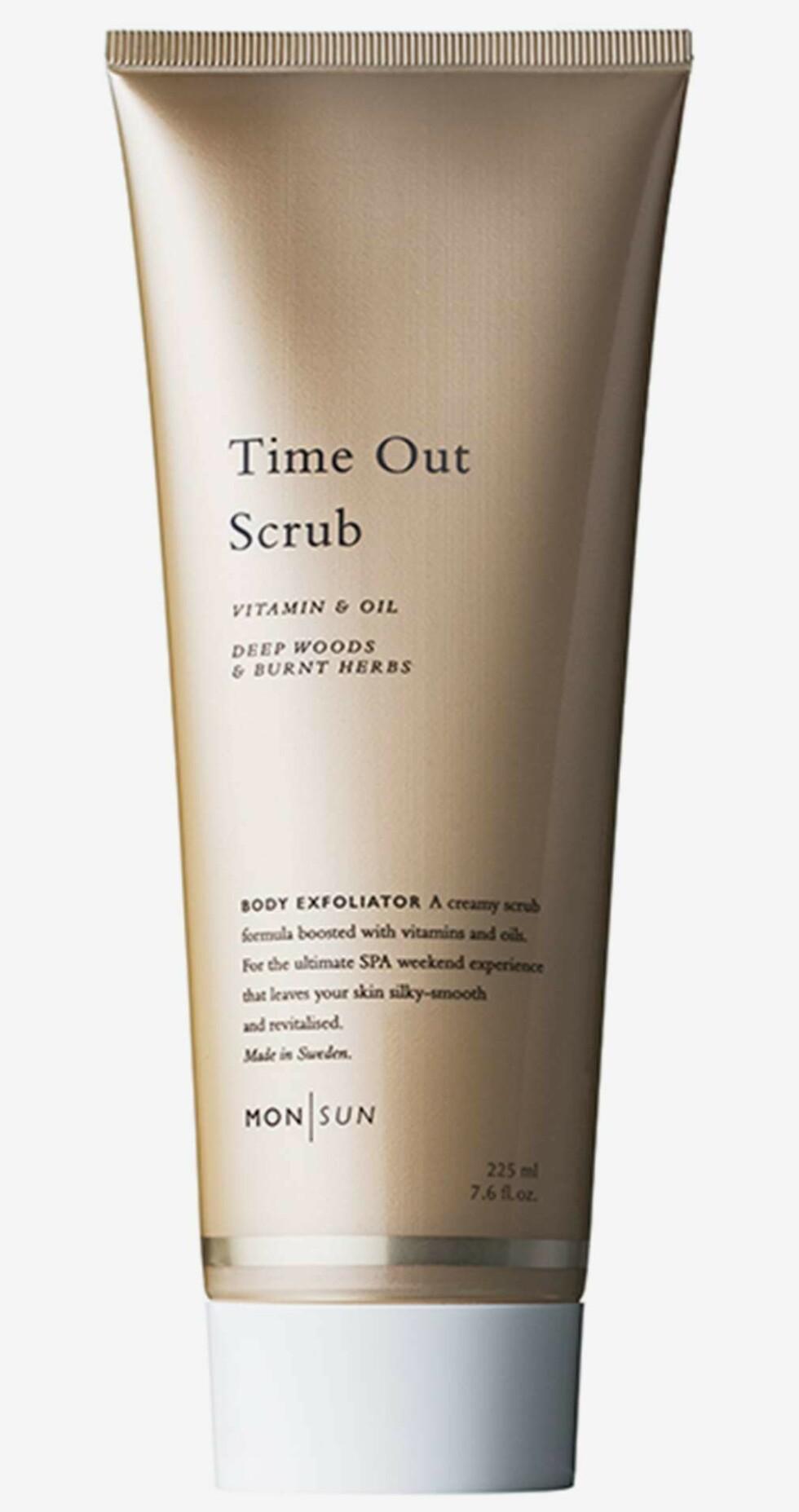 Skrubb fra Mon Sun |149,-| https://www.kicks.no/mon-sun/hudpleie/kroppspleie/skrubb-peeling/time-out-scrub-vitamin--oil-body-exfoliator-225ml-225-ml