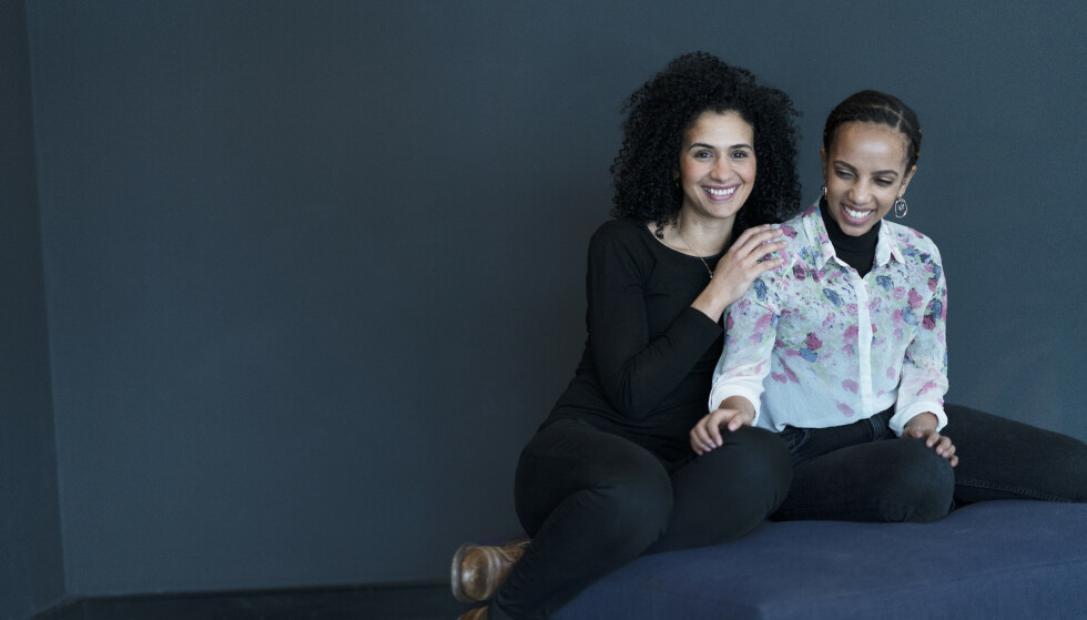 SOMMERFUGLENE: Leila Rossow og Tsion Bruk fant et sterkt samhold i Papillon, et frivillig nettverk for innvandrerkvinner i Bergen. FOTO: Silje Holte