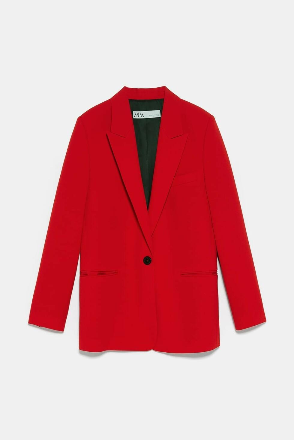 Blazer fra Zara |900,-| https://www.zara.com/no/no/blazer-med-knapper-p02335703.html?v1=8636610&v2=1180452