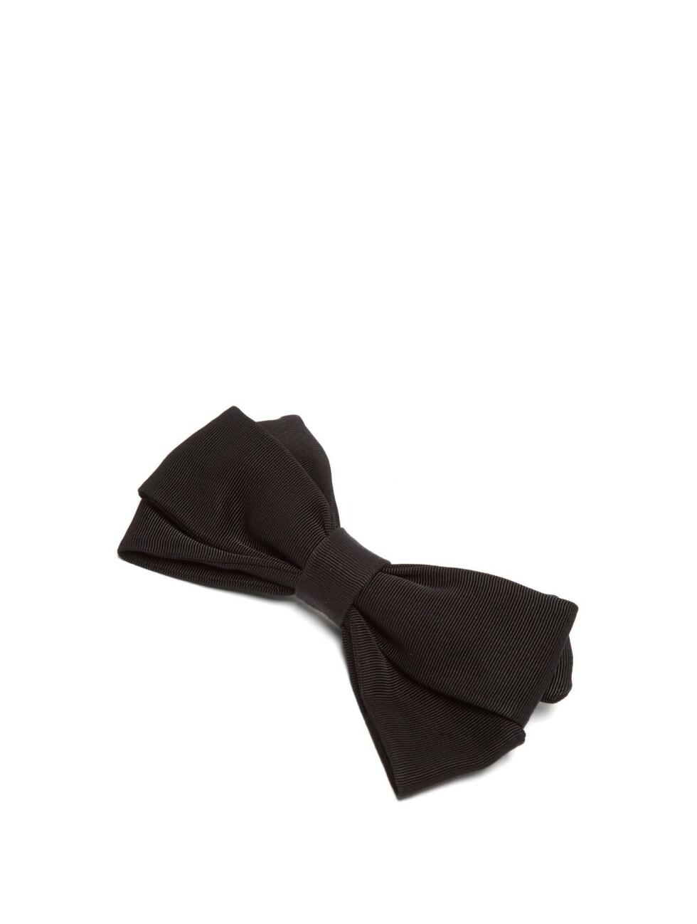 Emilia Wickstead |1120,-| https://www.matchesfashion.com/intl/products/Emilia-Wickstead-Kennedy-bow-shaped-cotton-faille-hair-clip-1266818