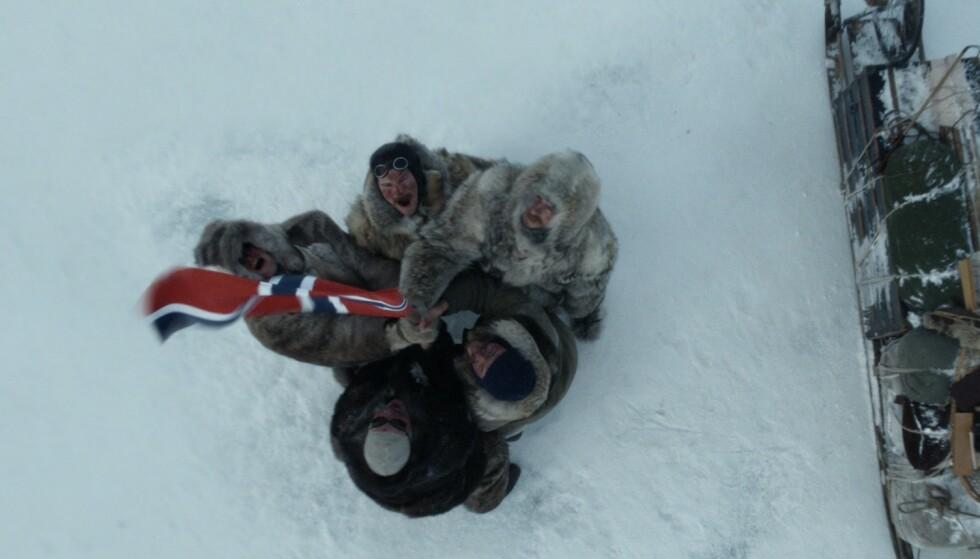 SETTER NORGE PÅ KARTET: 14. desember 1911 nådde Roald Amundsen og hans menn Sydpolen etter 55 dagers ferd - hele 34 dager før britene. Slik blir det fremstilt i filmen «Amundsen». FOTO: Motion Blur / SF Studios