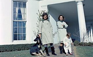 Jacqueline Kennedys lillesøster Lee Radziwill måtte lære seg å leve i skyggen av den populære førstedamen