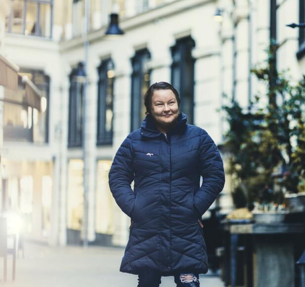 SER FRAMOVER: Liv har valgt åpenhet for å hjelpe andre - og seg selv. Sammen med forfatter Anne-Britt Harsem har hun srevet bok om oppveksten sin i Tysfjord. FOTO: Astrid Waller