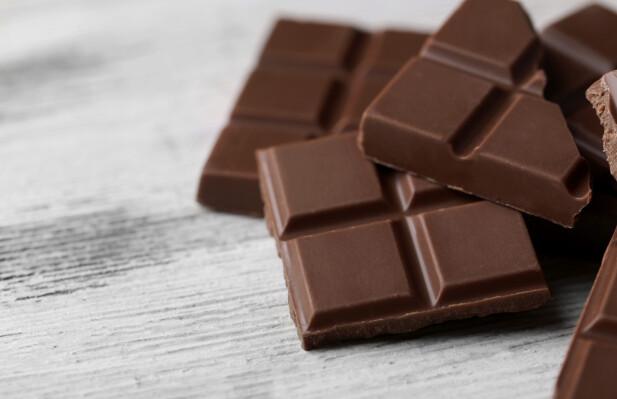 I VINSKAPET: Dersom du har et vinskap er dette det perfekte skapet å oppbevare sjokoladen i, skal vi tro eksperten. FOTO: NTB Scanpix