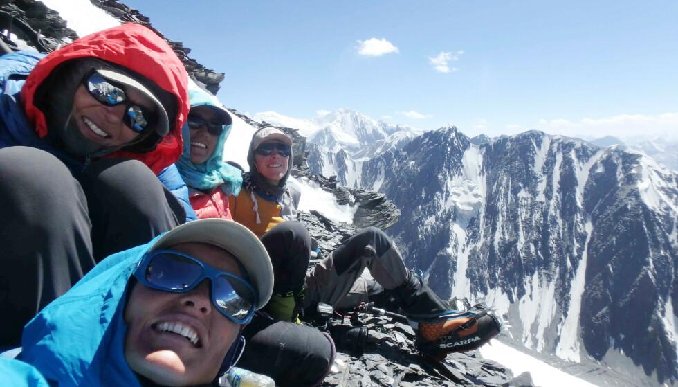 TIL TOPPS: Av en større gruppe, var det bare Hanifa og to til som nådde toppen. FOTO: Vibeke Sefland