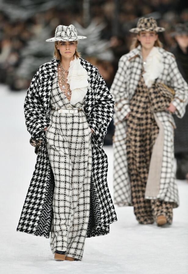 CARA DELEVINGNE: Modellen og skuespilleren gjorde comeback på catwalken under Chanel-visningen. Foto: Scanpix