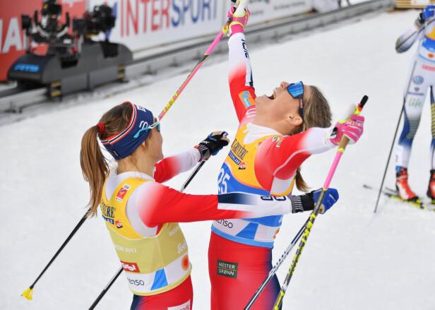 BRAGD: Mari Eide hadde aldri sett for seg at hun kom til å ta medalje under VM. Men knallhard jobbing - både fysisk og psykisk - det siste halvåret ga resultater. Her får hun en klem av skikollega Maiken Caspersen Falla, som tok gull på sprinten i Seefeld i februar 2019, etter å ha gått inn til bronse. FOTO: NTB Scanpix