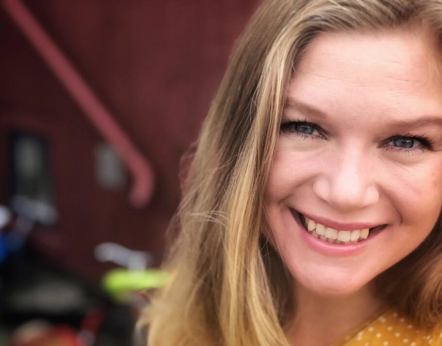 MAMMA MED FORTID: I den nye foreldre-podcasten «Avkom», snakker Caroline Omberg og Mina Hadjian blant annet om hvordan det er å være mamma med et dårlig rykte. FOTO: Privat