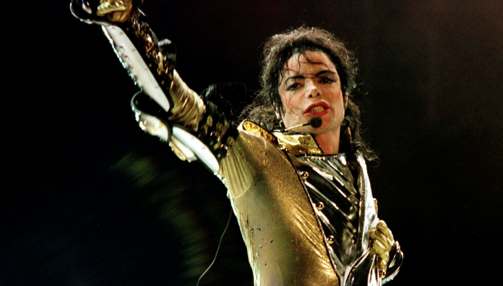 REKORD: Fire tiår etter utgivelsen av albumet Thriller er det fortsatt verdens mestselgende album. FOTO: NTB Scanpix