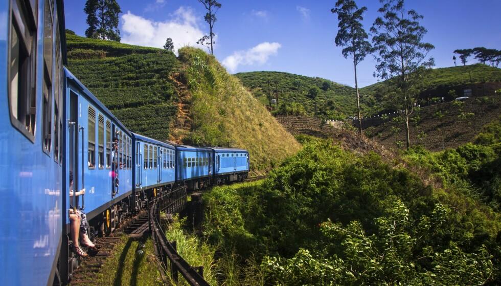 Har du god tid, kan det å reise med tog anbefales. Komforten er ikke all verden, men turen er et lite eventyr.