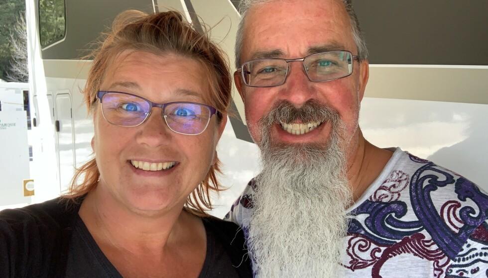 FLYTTET INN I BOBILEN: Anna og Roger solgte gården i Sverige og flyttet inn i bobilen. I dag lever de som digitale nomader. FOTO: Privat