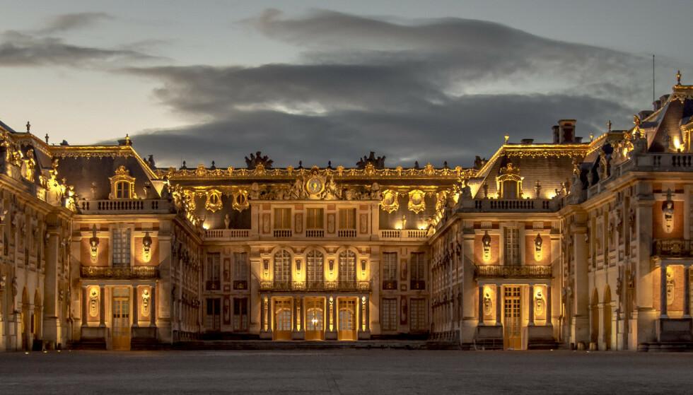 KRINGSATT: Da franske arbeiderkvinner marsjerte mot Paris og Versailles i 1789 ble kongefamilien ført i arrest i Paris, for å leve «som sine undersåttere». FOTO: NTB Scanpix