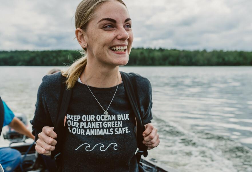 VALGTE BORT FLYET: Influencer Evelina Utterdahl lever på å reise jorden rundt. For ett år siden tok hun beslutningen om at hun aldri mer vil benytte seg av fly. FOTO: Rania Rönntoft