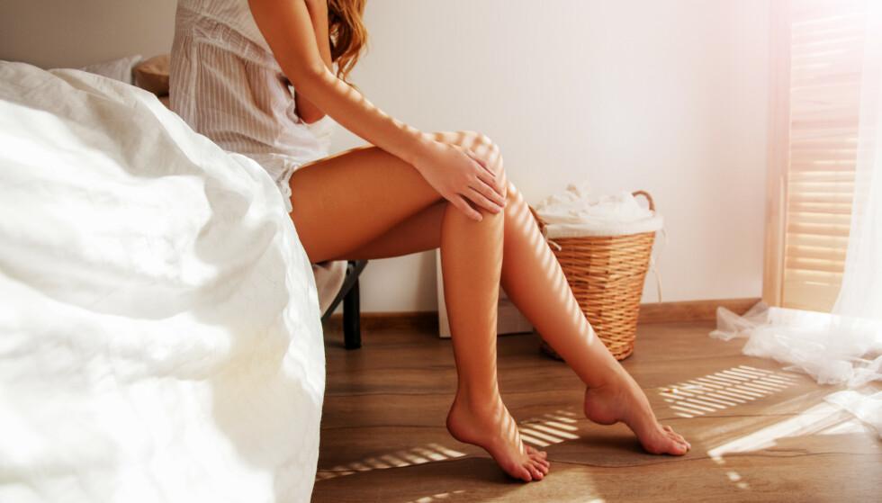 Sliter du med tørr, hard, sprukken hud på føttene?