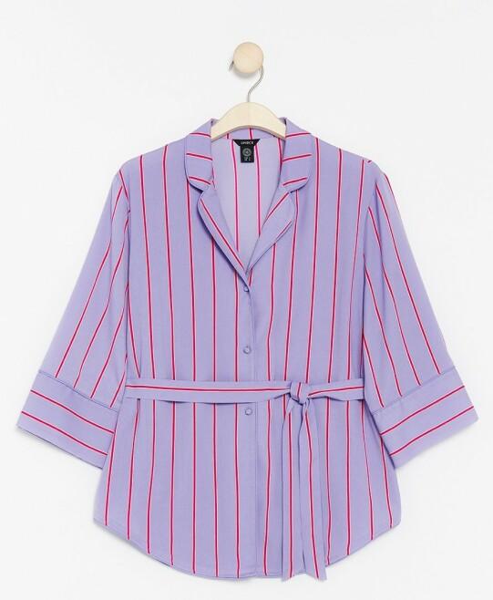 Bluse | Lindex | https://www.lindex.com/no/dame/nyheter/7855382/Stripet-bluse-med-knytebelte/?utm_source=aller&utm_medium=native&utm_campaign=1903_woman&utm_content=smart_wardrobe