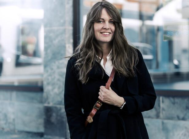 SPLEISELAG: Parykken er lagd av hår fra niese og venninne, pluss en del donorhår fra andre kvinner med samme hårtype som Kari Mette. FOTO: Astrid Waller