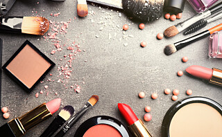 - Ja, du bør på det sterkeste forholde deg til datostemplingen på kosmetikk