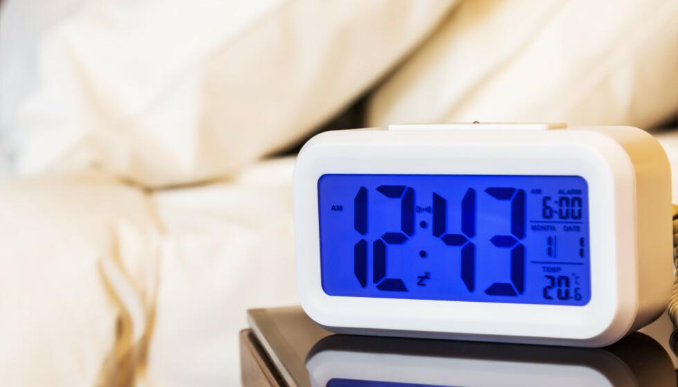 <strong>NEIDA:</strong> En klokkeradio trenger ikke å ha knallrøde lysende tall som legger soverommet i et bordell-lys, mens den spiller sprakende 80-tallshits med dårlig dekning. FOTO: NTBScanpix