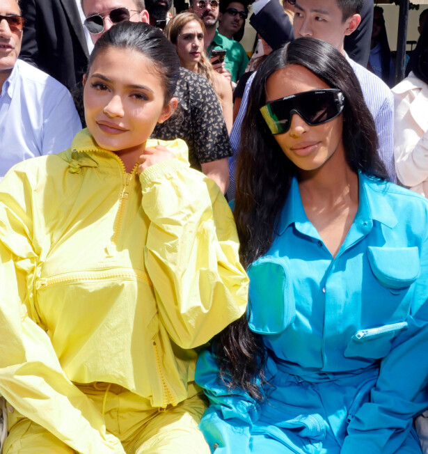 SØSTRE: Kylie Jenner sammen med søsteren Kim Kardashian. FOTO: NTB Scanpix