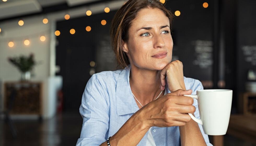 KUNSTEN Å TENKTE POSITIVT: Her får du 5 tips til hvordan du kan bli flinkere til å tenke positivt FOTO: NTB Scanpix