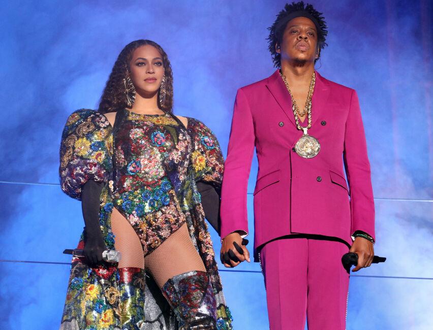 HJEM TIL DEG: Netflix har gjort dokumentar av Beyoncés enestående opptreden under Coachella-festivalen i 2018. Her er stjernen avbildet med ektemannen Jay Z under en annen konsert i fjor. FOTO: Scanpix