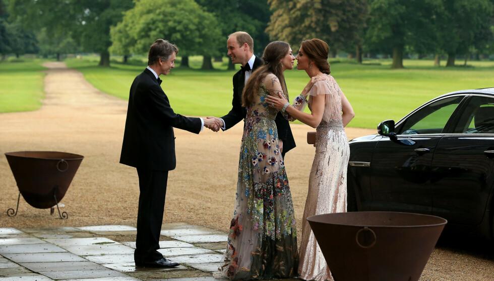NABOER: David Cholmondeley, den 7. marki av Cholmondeley, og kona Rose Hanbury er naboene til prins William og hertuginne Kate. Det er også i de samme sosietetskretser. Dette bildet er fra et veldedighetsarrangement i 2016. FOTO: NTB Scanpix