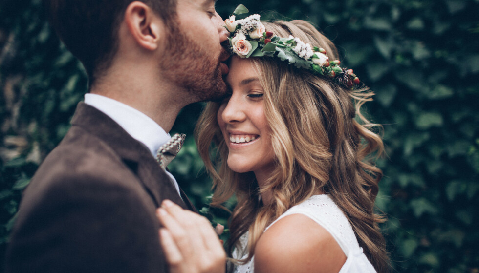 BRYLLUPSGAVER: Bryllup er ikke bare fest og moro. Det kan også være riktig så kostbart både for brudeparet og gjestene. FOTO: NTB Scanpix
