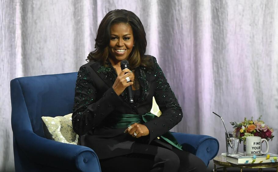 I OSLO: Michelle Obama er på turné i forbindelse med selvbiografien «Becoming», som på norsk har fått tittelen «Min historie». Den ble sluppet i Norge i november 2018. Her fra samtalen i Oslo Spektrum i april. FOTO: NTB Scanpix