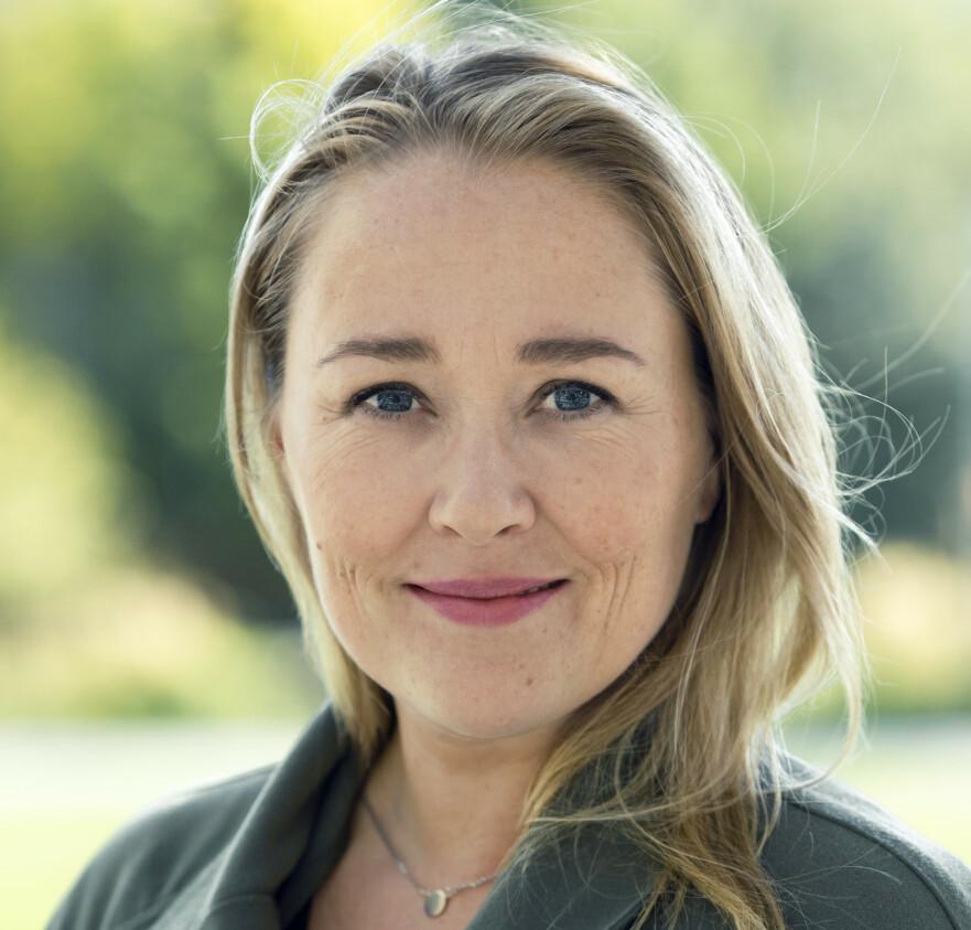 HYLLEST: Birgitte Hoff Lysholm mener norske sykepleiere og leger fortjener både blomster, penger, heder og ære. FOTO: Astrid Waller