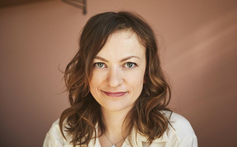 STRESS: Anne Gunn har skrevet bok om hvordan vi kan deale med stress. For vi slipper ikke unna det. FOTO: Kristin Svanæs-Soot