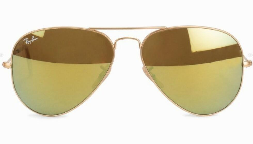 PILOTBRILLER: Har du ovalt eller langt ansikt, er dette brilleformen for deg! Foto: Nelly.com