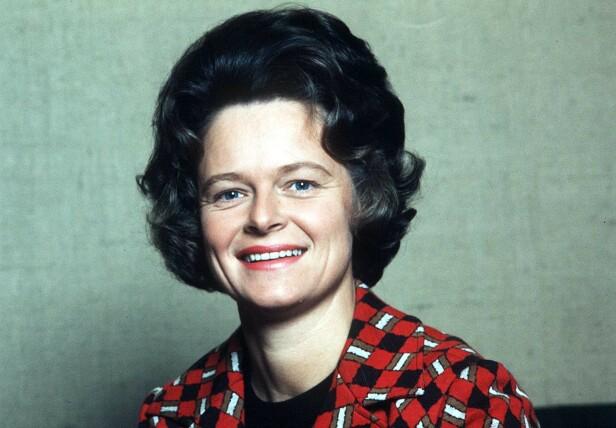 TALTE MANNFOLKET MIDT IMOT: Gro Harlem Brundtland var blant de få kvinnene som på sin tid turte å gå mot gubbeveldet, og si sin egen mening. Vi kan takke henne for at hun har banet vei for kvinnene som har kommet etter. Dette bildet er tatt i 1974. FOTO: NTB Scanpix