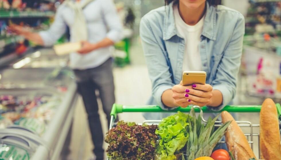 PLANLEGG: Skriv handleliste og planlegg måltider på forhånd. FOTO: Scanpix.