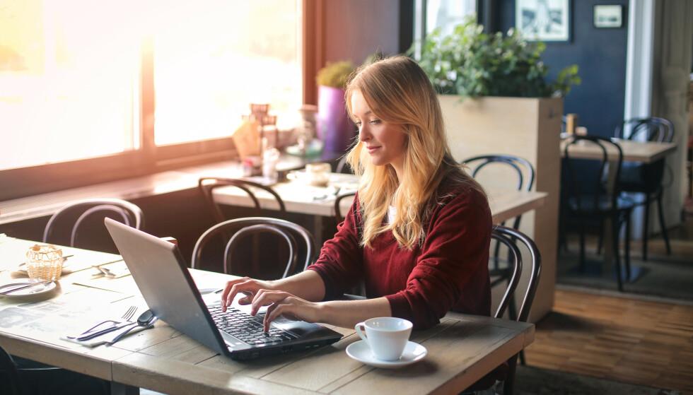 ALLTID PÅ JOBB: Det er ikke uvanlig å ha problemer med å legge bort jobben, selv om man egentlig har ferie.
