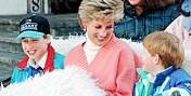 Tilbakeblikk: Se de varme stundene mellom prinsesse Diana og sønnene!