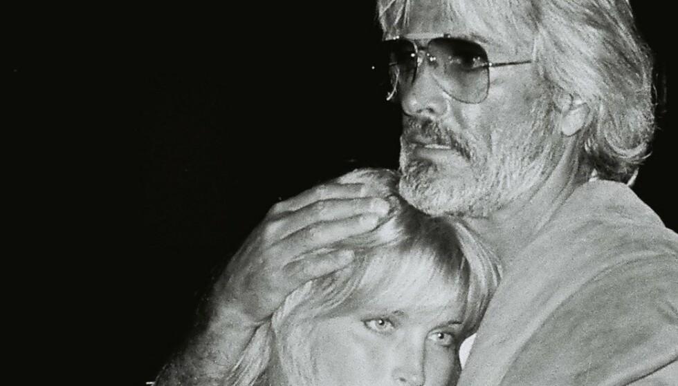 Han var 46 år, regissør og gift med en av Hollywoods vakreste kvinner. Så møtte han 16 år gamle Bo