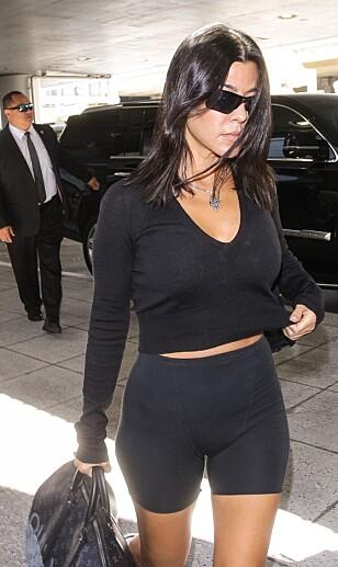 På sin nye blogg deler Kourtney Kardashian (40) inspirasjon til både trening, mote og interiør. FOTO: NTB scanpix