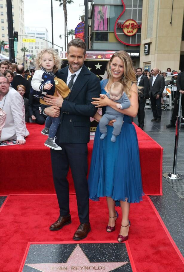 2016: Da Ryan Reynolds fikk en egen stjerne på Walk of Fame i Hollywood, var hele familien tilstede. Foto: Scanpix
